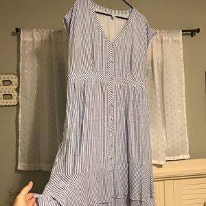 Cute spring/summer maternity dress